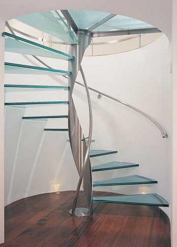 Nguyên tắc không được bỏ khi làm cầu thang kính cường lực