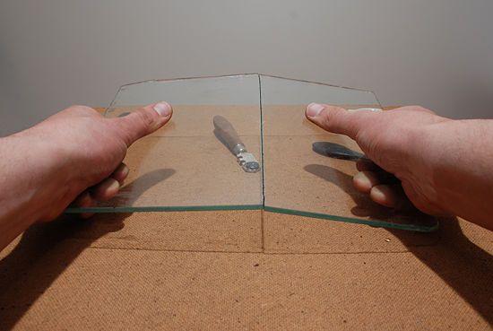 Cách cắt kính