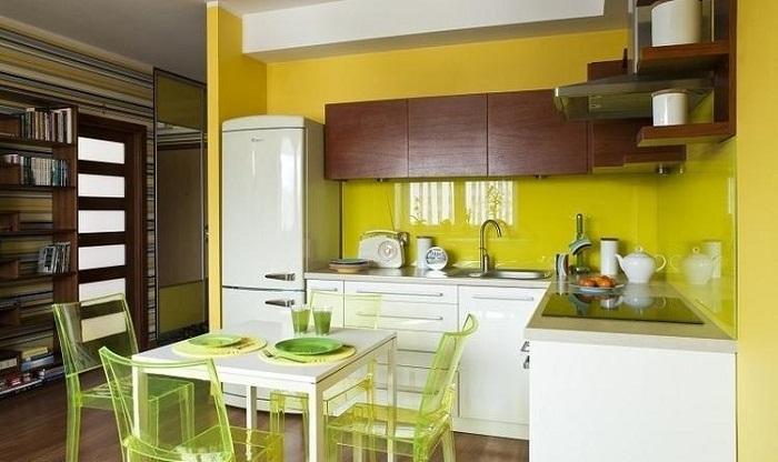 Tủ bếp kính cường lực đẹp giá rẻ