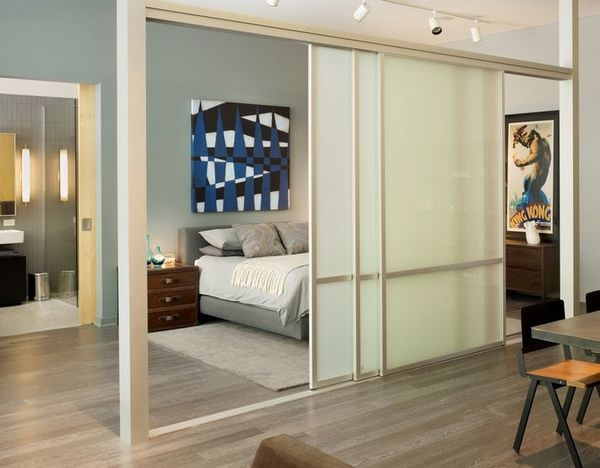 Vách kính ngăn phòng ngủ cho không gian nhỏ
